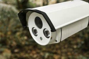 La caméra de surveillance Foscam E1 se démarque de par ses nombreuses fonctionnalités et sa facilité d'installation